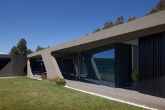 P161 by Helder Coelho Arquitecto  #casalibrary #architecturelovers #design #interiordesign #architecture #home #decor #pool #archilovers #designtrends #interiorstyle #instadesign #gardendesign #designlovers #lighting #landscape #travel #Portugal