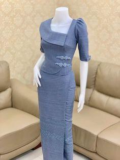 Batik Fashion, Skirt Fashion, Fashion Outfits, Simple Kurti Designs, Blouse Designs, Dress Design Patterns, Traditional Dresses Designs, Stylish Tops For Women, Myanmar Dress Design