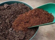 Coconut Coir growing medium and soil amendment (approx for sale online Raised Garden Planters, Garden Soil, Gardening, Worms For Sale, Organic Nutrients, Soil Improvement, Sandy Soil, Worm Composting, Peat Moss