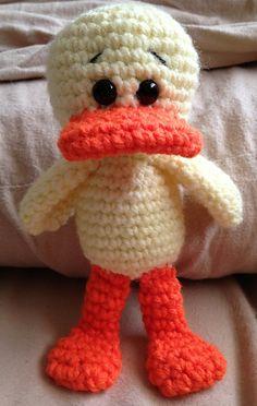 Little Duck Amigurumi Free Download Pattern Crochet Birds, Crochet Bebe, Easter Crochet, Cute Crochet, Crochet For Kids, Crochet Animals, Crochet Crafts, Crochet Amigurumi, Amigurumi Doll