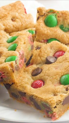 These Christmas M&M cookie bars are gooey, soft loaded with M&M's and chocolate chips. So easy to make and perfect for a cookie exchange or holiday party! recipes dessert videos M&M cookie bars Fun Baking Recipes, Easy Cookie Recipes, Sweet Recipes, Bar Recipes, Dinner Recipes, Bake Sale Recipes, Holiday Cookie Recipes, Whole30 Recipes, Pasta Recipes