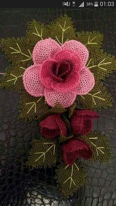 Burlap Flowers, Diy Flowers, Crochet Flowers, 3d Pen, Needle Lace, 4th Of July Wreath, Burlap Wreath, Needlework, Free Pattern