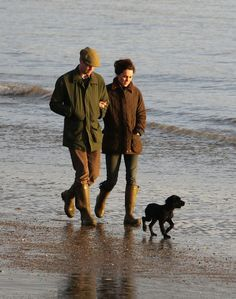 Kate and William now have an addition to their family.During a stroll on a local beach the new member , a black Cocker Spaniel puppy made it's first public appearance...Jan 31, 2012