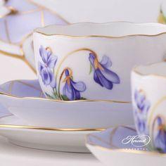 Herend porcelain Tea Set for 2 Persons – Herend Sisi Violet Flower design. The Tea Set contains the Tea Cup Saucer, Tea Cups, Teapots Unique, Teapots And Cups, Flower Tea, Tea Service, Chocolate Pots, Tea Party, Crown