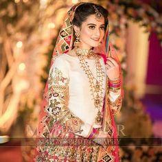 Aiman & Muneeb on their Mehndi 😍 @models.pakistani 👈 @models.pakistani👈 @models.pakistani👈 @models.pakistani👈 @models.pakistani follow… Bridal Mehndi Dresses, Pakistani Wedding Outfits, Pakistani Bridal Dresses, Pakistani Wedding Dresses, Pakistani Dress Design, Bridal Outfits, Bridal Lehenga, Indian Dresses, Mehndi Outfit