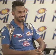 He is still stealing it ❤️😍 India Cricket Team, Heat Fan, Indian Star, Mumbai Indians, Just A Game, Kung Fu, Polo Ralph Lauren, Handsome, Die Hard