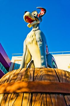 Review of Disney's Pop Century Resort. Read why it's better than the All Stars, but not as good as Art of Animation.