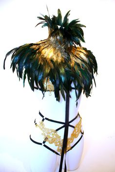 Amazing Ephesus ombre gold feather cape by Lovechild Boudoir. Halloween 2016, Halloween Costumes, Lovechild Boudoir, Feather Cape, Dame Nature, Bird Costume, Gold Feathers, Body Adornment, Fantasy Costumes