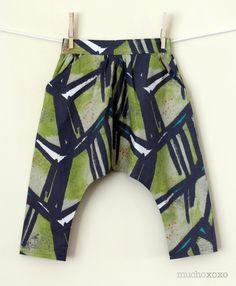 Mucho xoxo's adorable kid's harem pants #sewing #harem #mchammer