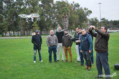 No passado sábado, a ação de formação começou em sala e terminou a céu aberto. O Workshop sobre Drones, promovido pelo Citeforma, combinou a componente teórica com a manipulação do aparelho, permitindo a todos os formandos a real perceção e potencial desta nova tecnologia.
