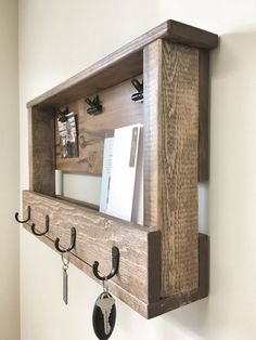 Home Furniture Handmade Home Furniture Vocabulary Wooden Pallet Projects, Diy Pallet Furniture, Woodworking Projects Diy, Diy Projects With Pallets, Cheap Furniture, Woodworking Tools, Mail And Key Holder, Wall Key Holder, Diy Key Holder