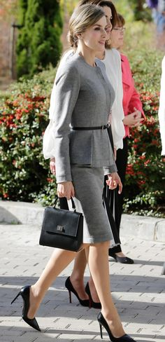 Queen Letizia. Carolina Herrera wool cashmere suit, Hugo Boss bag, Prada heels - 1950s style