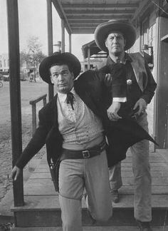Bret, being thrown out of town again by a no-nonsense Sheriff in Gun-Shy. Golden Age Of Hollywood, Vintage Hollywood, Classic Hollywood, Maverick Tv, James Gardner, Perfect Tv, Thing 1, Western Movies, Stock Pictures