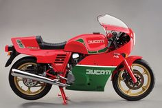 Mike Hailwood Replica: 1985 Ducati MHR Mille - Classic Italian Motorcycles - Motorcycle Classics