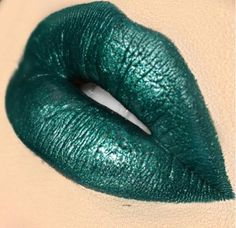 #greenlipstick #make