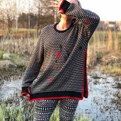 "RullaKoo, Riitta Kahelin on Instagram: ""Refashioned sweater.  #visiblemending #darning #mendingmarathon #mendingmatters #mendyourclothes #parsinta #slowfashion #mindfulmending…"" Visible Mending, Refashioning, Darning, Sweaters, Instagram, Dresses, Vestidos, Sweater, Dress"