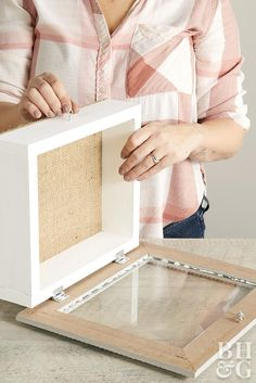 How to Make a Shadow BoxYou can find Shadow box and more on our website.How to Make a Shadow Box Shadow Box Memory, Diy Shadow Box, Shadow Box Frames, How To Shadow Box, Diy Wood Projects, Crafty Projects, Cadre Diy, Box Building, How To Make Box