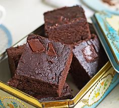 Black beans replace the flour in these gluten-free, fudgy and intensely chocolatey treats with a subtle tingle of chilli