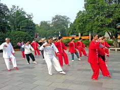 Many physical and mental health benefits are claimed for Tai Chi but where's the evidence? Mental Health Benefits, Health And Wellness, What Is Tai Chi, Benefits Of Tai Chi, Learn Tai Chi, China People, Warm Down, Metabolic Syndrome, Group Fitness