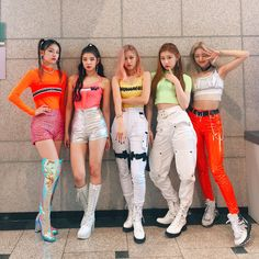 ITZY - The most highly expected girl group in 2020 - Sexy K-pop Kpop Girl Groups, Korean Girl Groups, Kpop Girls, Stage Outfits, Kpop Outfits, Kpop Fashion, Fashion Outfits, Loona Kim Lip, Jamel