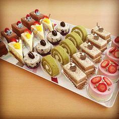 . Dessert Platter, Dessert Buffet, Dessert Bars, Individual Desserts, Unique Desserts, Dessert Bar Wedding, Wedding Desserts, Cupcakes, Cupcake Cakes