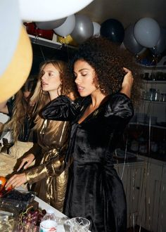 (Left) & Other Stories Gold Dress and Multi-Circle Link Earrings (Right) & Other Stories Velvet Dress and Small Hoop Earring Party Fashion, Fashion Photo, Fashion Beauty, Fashion Story, Girl Fashion, Metallic Gold Dress, Christmas Fashion, Photography Poses, Editorial Fashion