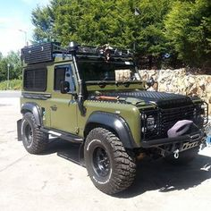 Camping weekends and forest days are meant for this Land Rover! Defender 90, Land Rover Defender 110, Landrover Defender, Offroader, Bug Out Vehicle, Off Road Adventure, Suv Cars, Expedition Vehicle, Jeep Truck
