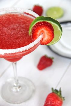 Fresita -rita //  Fresh strawberry margarita with sparkling strawberry wine!