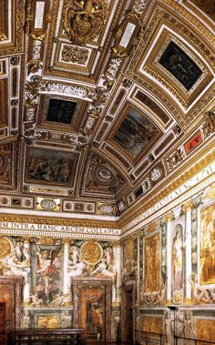 Interior di Castel Sant'Angelo, Roma Travel Around The World, Around The Worlds, Appian Way, Classical Architecture, Beautiful Buildings, Vatican, Italy Travel, Barcelona Cathedral, Palaces