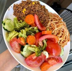 LOOK: if you eat this every day for 1 week this is what happens to your body . Se valer a pena deixe um coração . Diet Recipes, Healthy Recipes, Salad Recipes, Menu Leger, Food Business Ideas, Healthy Plate, Clean Eating, Healthy Eating, Good Food