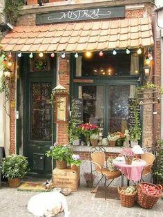The very inviting Café Mistral, Antwerp, Belgium - Mein Café - Deco Restaurant, Restaurant Design, Coffee Shop Design, Cafe Design, Garden Shop, Home And Garden, Bar Deco, Mein Café, Sidewalk Cafe