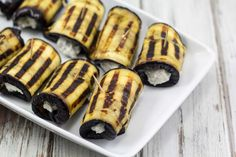 Easy recipe for homemade eggplant rolls with Parmesan and ricotta cheese. Perfect for snack or tapas. Tapas Dinner, Ricotta Cheese Recipes, Eggplant Rolls, A Food, Food And Drink, Mini Foods, Popular Recipes, Paleo Recipes, Paleo Food