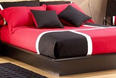Contemporary Red Black Teenage Bedroom Furniture Sets for Chic Cosmos Red Black Bedrooms, Bedroom Red, Home Bedroom, Master Bedrooms, Bedroom Colors, Girls Bedroom Furniture Sets, Red Bedding Sets, Teenage Girl Bedrooms, New Room