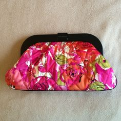 "FINAL SALE NWOT Vera clutch in Vintage Rose NWOT LIMITED EDITION!! Approximately 12""x7"". Never used, brand new condition! Fabric is silky, not the traditional Vera cotton. Large zippered pocket inside. This is my LOWEST price. Get 15% off if you BUNDLE!! I can also make custom bundles, just ask!! ✨Will accept reasonable offers✨ Vera Bradley Bags Clutches & Wristlets"
