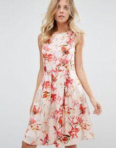 b5b183ad2751 Discover Fashion Online Hugo Boss, Mode Klänningar, Bröllopsoutfits,  Blommiga Utskrifter, Mode