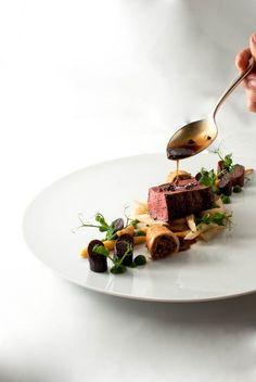 hirsch, parsley root, purple carrot, cocoa jus steffensinzinger.de/blog - the chefstalk project