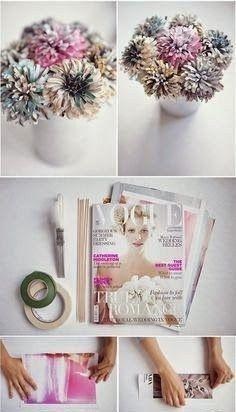 Una original forma de reciclar tus viejas revistas y hacer un bonito florero Os dejo el enlace: http://www.rocknrollbride.com/2011/06/how-to-make-your-own-paper-flowers/