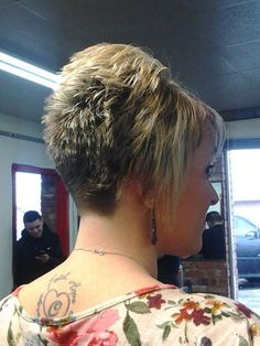 Today we have the most stylish 86 Cute Short Pixie Haircuts. We claim that you have never seen such elegant and eye-catching short hairstyles before. Pixie haircut, of course, offers a lot of options for the hair of the ladies'… Continue Reading → Short Stacked Bobs, Short Stacked Haircuts, Short Spiky Hairstyles, Sassy Haircuts, Short Hairstyles For Women, Bob Hairstyles, Pixie Haircuts, Wedding Hairstyles, Hair Cuts For Over 50
