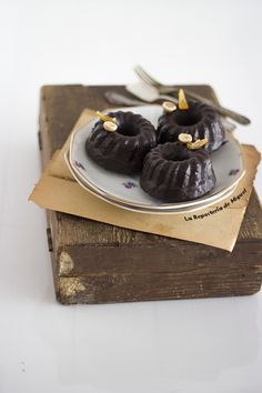 Mini cakes de Chocolate y jengibre ( Receta en el blog )Conoces o has probado el jengibre en comidas, postres, bebidas o infusiones ??? ↓↓↓↓ http://www.lareposteriademiguel.com/2017/04/mini-cakes-de-chocolate-y-jengibre.html