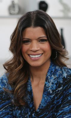 """Pin for Later: Jane the Virgin's Andrea Navedo on Her """"Heart-to-Hearts"""" With TV Daughter Gina Rodriguez"""