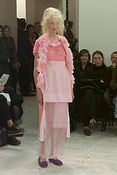 Comme des Garçons | Spring 2000 Ready-to-Wear Collection | Style.com