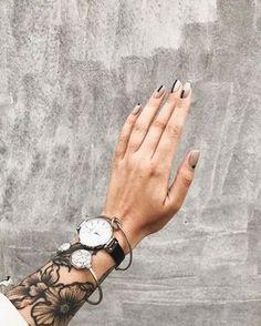 709 вподобань, 24 коментарів – Наташа Федорчук (@nata_fedorchuk) в Instagram: «m i n i m a l i s m . дівчатам для щастя потрібен новий манік) дякую @mini.manicure »
