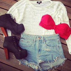 Perffff Teen Outfit ^~^ like the shorts and sweater