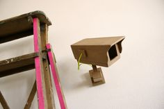 Caméra en carton / cardboard camera - via Etsy. Cardboard Camera, Cardboard Crafts, Paper Crafts, Diy Crafts, Best Home Security, Security Camera, Things To Think About, Display, Shapes