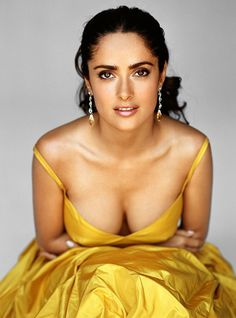 Salma Hayek Cute Boobs