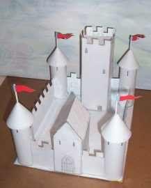 Como fazer um castelo de papel
