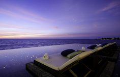 Jumeirah Dhevanafushi - Johara Restaurant Pool View
