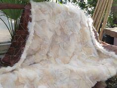 Patchwork Toscaans-lamskleed in de kleur schakering warm-wit