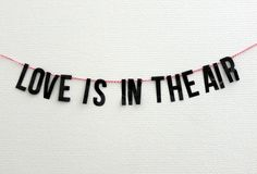 Love is in the air grâce aux stickers de la stickerzbox St Valentin via @blogscrush