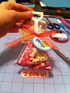 """""""I DIG YOU"""" gift or favor. This would be too cute for a child's party or end of #school gift for the class."""